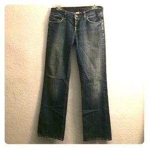 Lucky Brand distressed jeans size 6/28